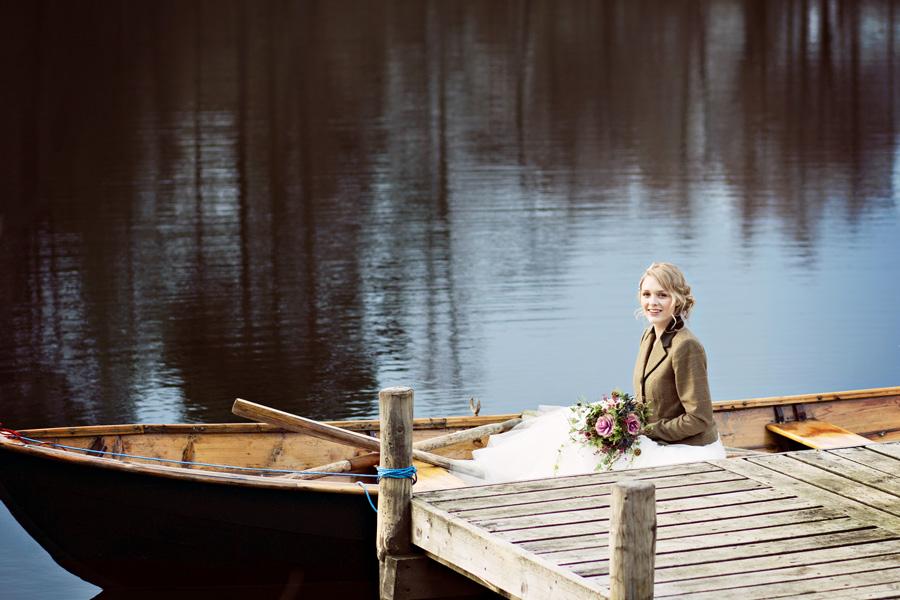 lake-bride-boat.jpg