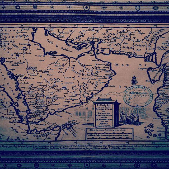 #abudhabi #louvre #louvremuseum #louvreabudhabi #louvreabudhabimuseum #exhibition #artexhibition #antiques #antiquesexhibition #uae #abudhabitourism #calligraphy #antiquecalligraphy #stone #carving #carvingstone #museum #collection #archeology #archaeology #nabatean #ابوظبي #الامارات #اللوفر_أبوظبي #map #maps #ancientmap #print