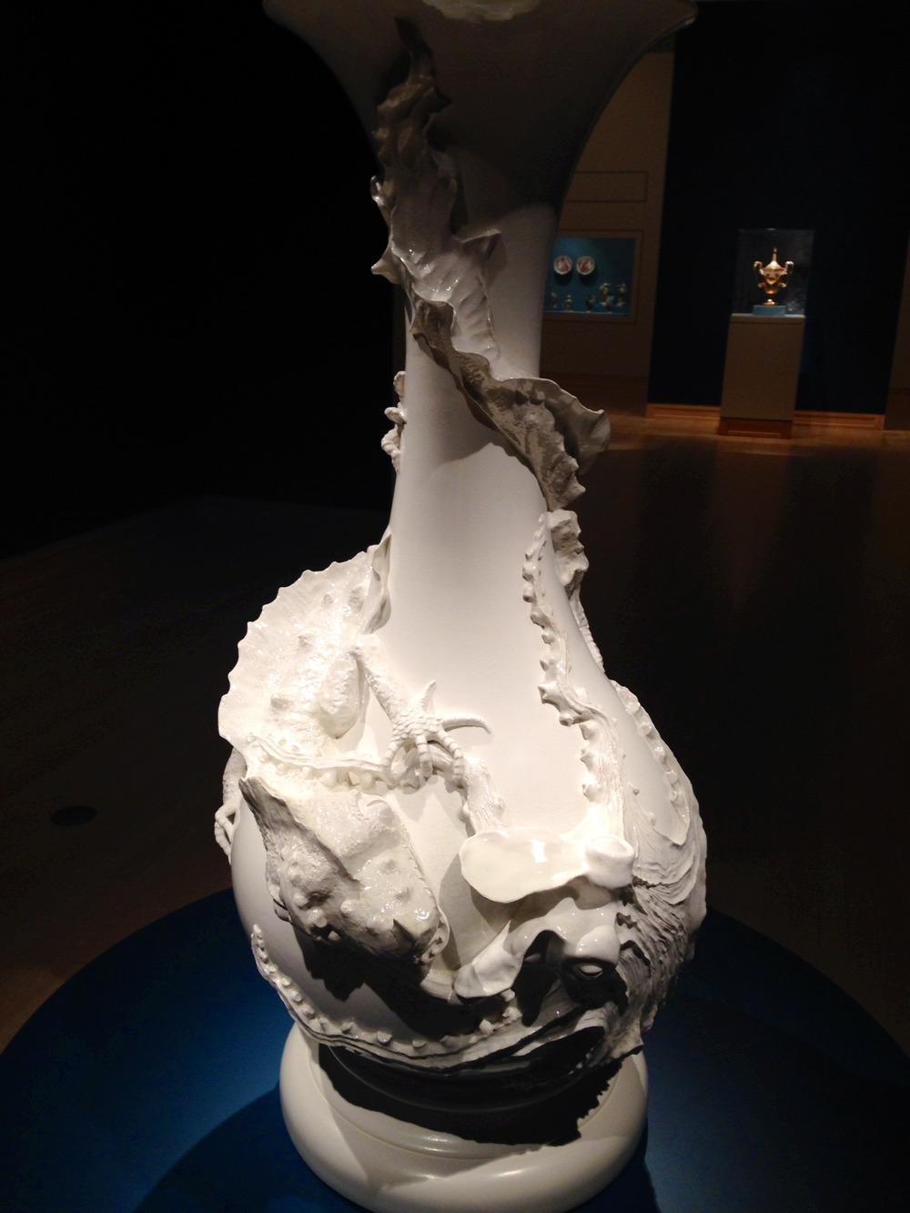 vase--lizard fighting octopus