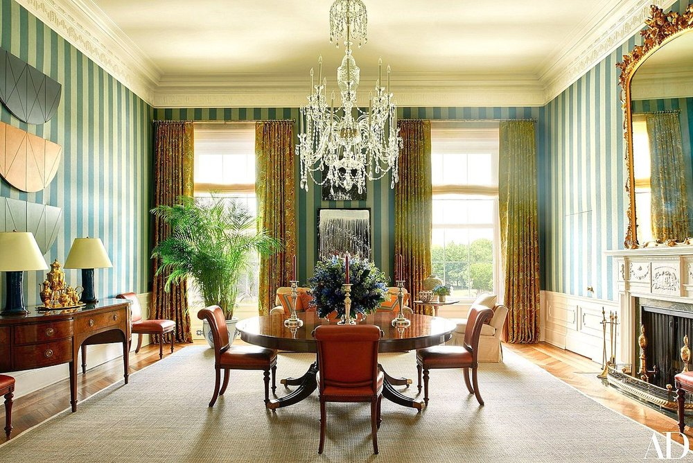 The Obama family dining room - they certainly went bold with the wallpaper and it's nice to see how successfully the chandelier works in both decor iterations