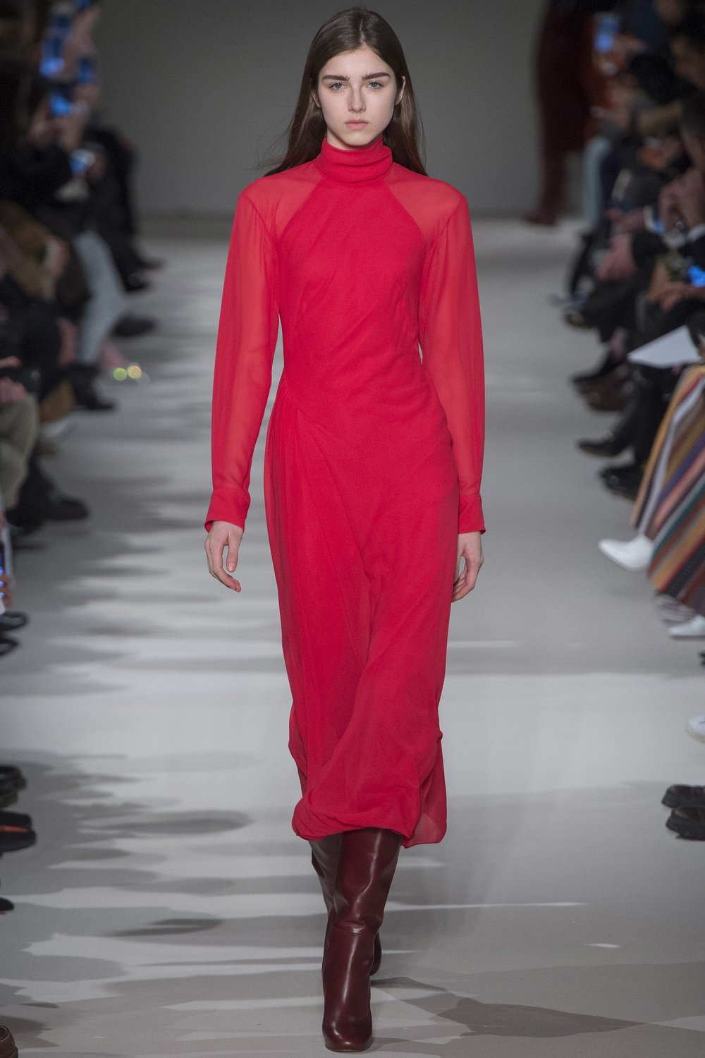 Victoria Beckham Fall 2017 - Ready to Wear - Loving this crimson red that has jut a hint of pink