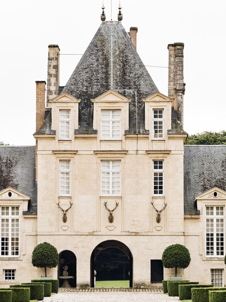 Chateau du Jonchet (via  the Art of the Room)