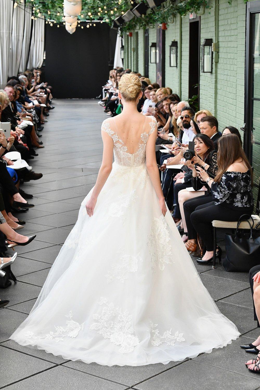 945919212-amsale-bridal-spring-2019-vogue-pr.jpg