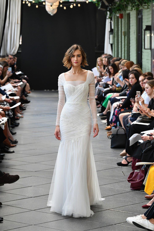 945919362-amsale-bridal-spring-2019-vogue-pr.jpg