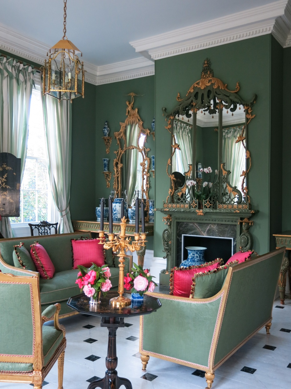 Carolyne Roehm's Chinoiserie Room  - Gold leaf Pagoda-style lantern and pair of Hector Pagoda mirrors