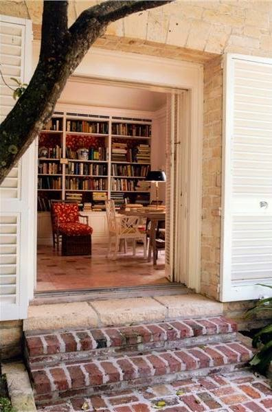 Bunny Mellon's library with the same Dek Tilett fabric