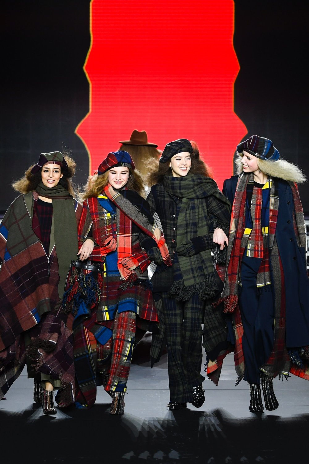 Sonia Rykiel Ready-to-Wear Fall 2018  shows us zany clashing plaids