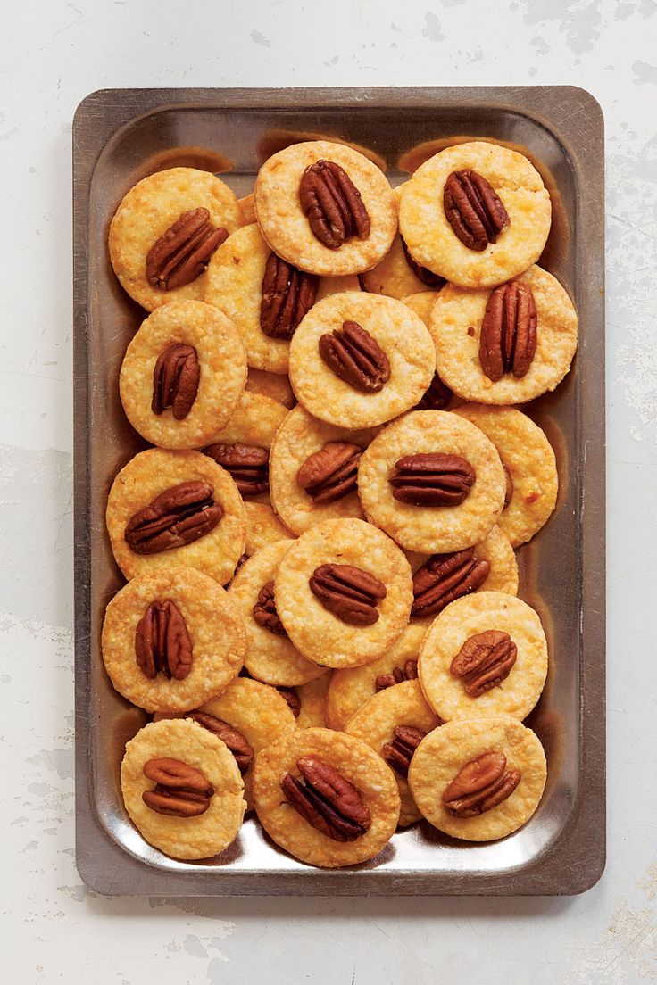 Cheese Wafers with Pecan