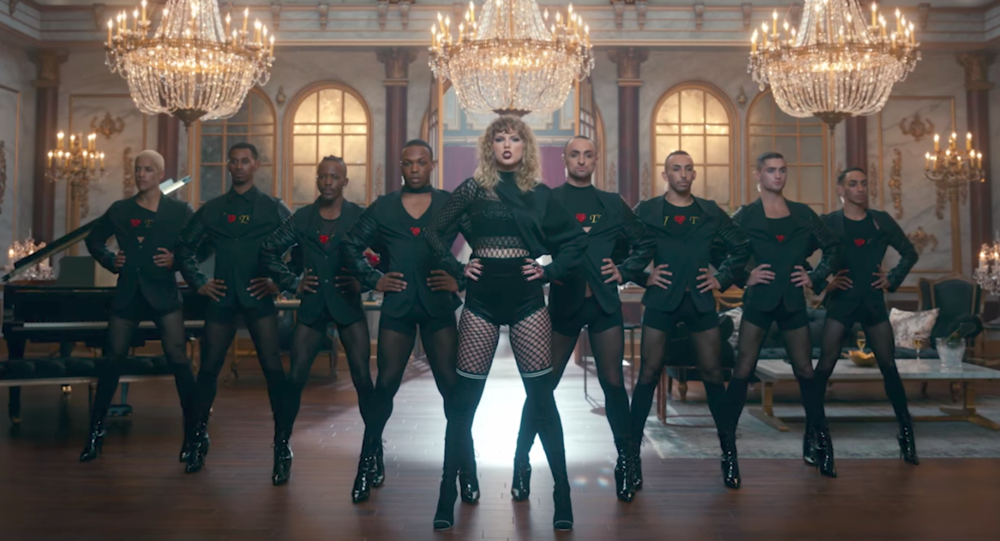 Taylor Swift: Crushing the Power Pose in Look What You Made Me Do
