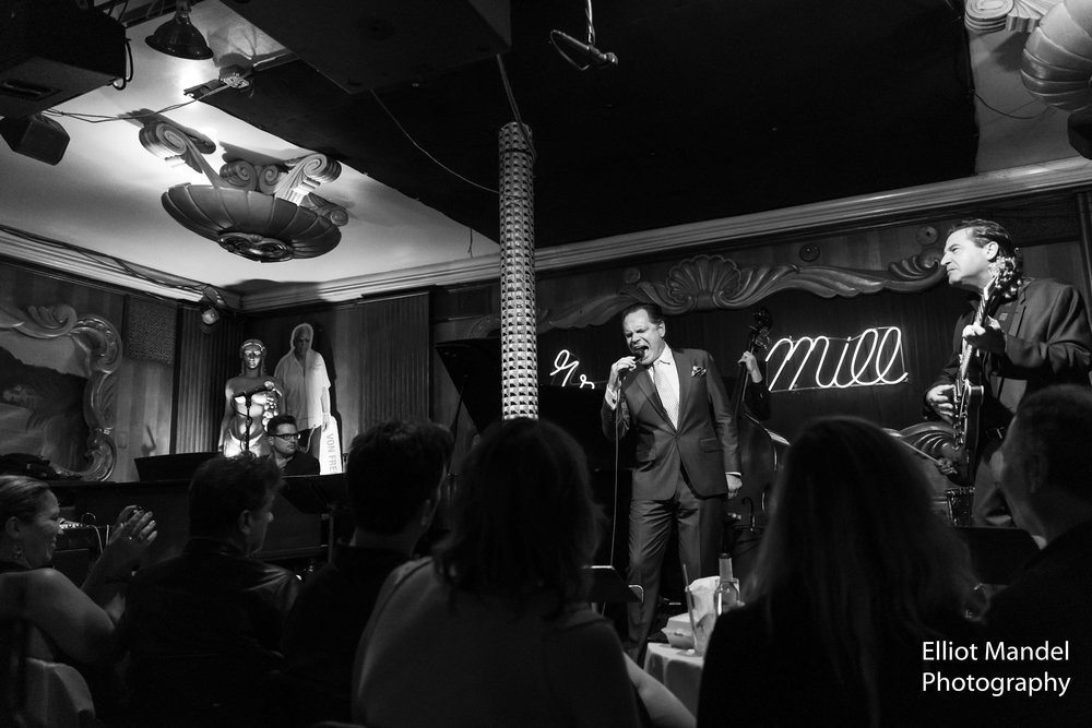 Kurt Elling in full voice at a packed Green Mill (June 22, 2018).