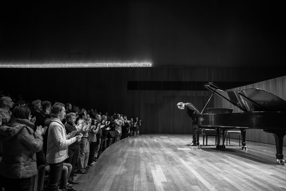Pianist Pierre-Laurent Aimard accepts the ovation at University of Chicago (March 6, 2018).
