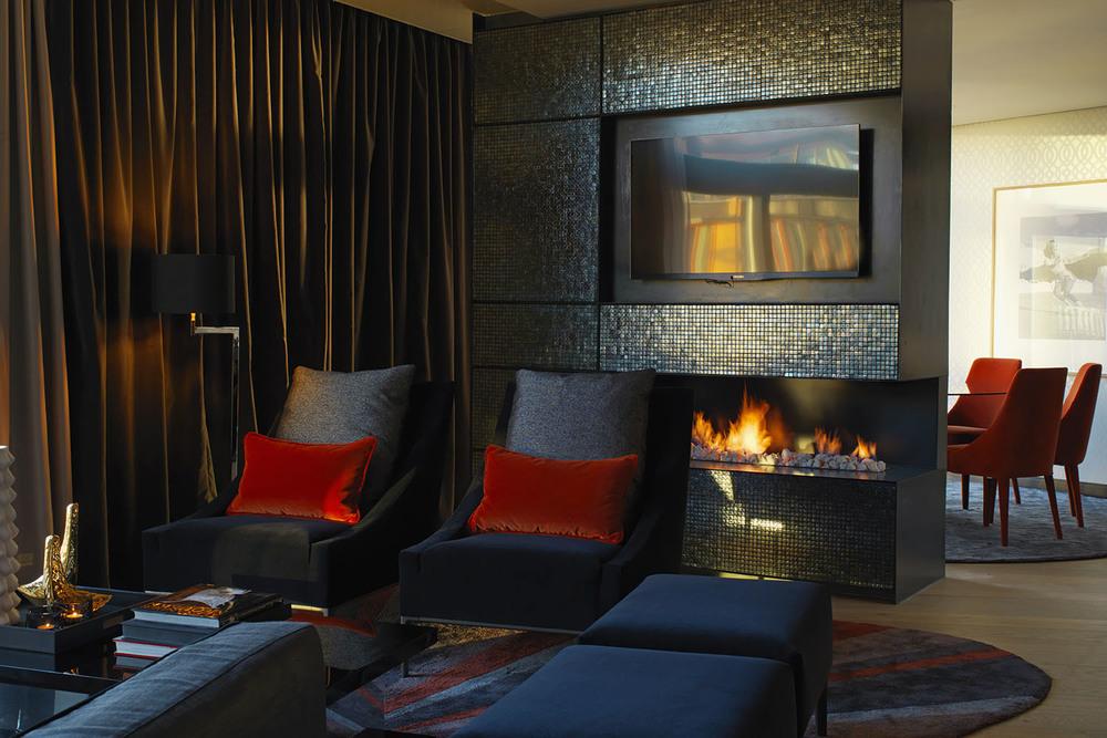 THE OSLO SUITE living room by Studio Dreyer Hensley.jpg