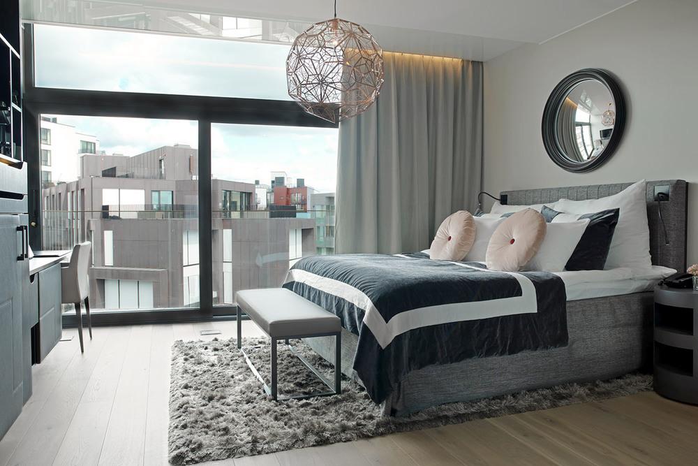 THE THIEF SUITE bedroom.jpg