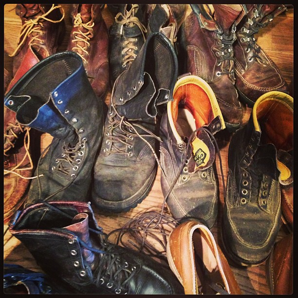 Come and visit the vintage #chippewa collection in @jeanshop today Some unbelievable boot dating back to early 1900's. it a rare opportunity to see some amazing stuff. #vintage #wellworn #antique #boots #madeinusa #madeinamerica #1900 #worn #denim #footwear #museum #leathercraft #leather (at jean shop)