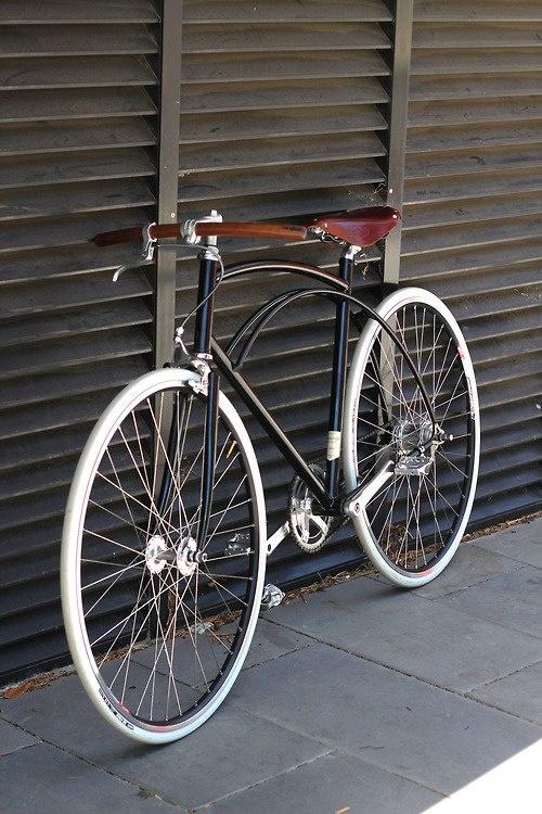 merrickleather :     nice ride     Beautiful.