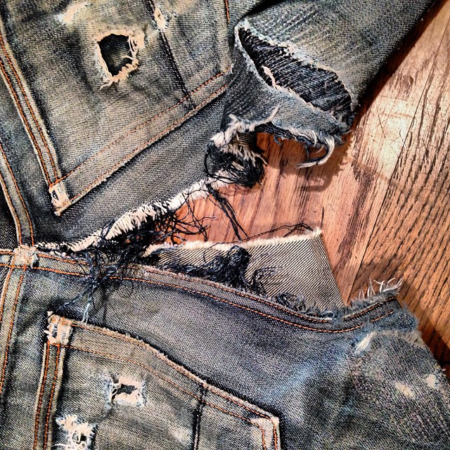These jeans came in today for repair. Wow. The guy wipes out on a skateboard, the repair started today and it should be out of the operating room tomorrow. Check back to see the end result. Remember we got a darning machine so it's going to be good. Stay tuned. #vintage #repaired #jeans #jeanshop #denim #wellworn #weaving #darning #hardwork #fashion #repair #helpme #selvedgedenim #selvedge #japaneseselvedge
