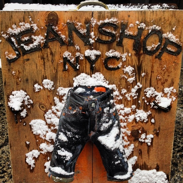 It's cold and snowy in NYC. #nyc #snow #meatpacking #style #wearthepig #weather #jeanshop #madeinnyc #madeinamerica #selvedgedenim #selvedge #cold #winter #minijean