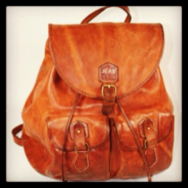 #vintage #leathercraft #leather #fashion #jeanshop #bags #wellworn #jeans #beautiful #musthave #iwantit