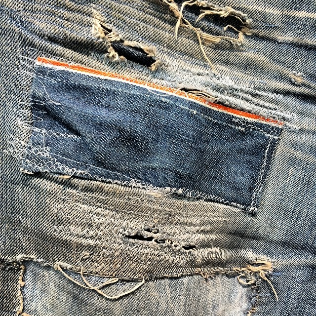 Well worn and patched like crazy #wellworn #denim #jean #jeanshop #patched #quality #japaneseselvedge #selvedge #art #beautiful #desttoyed #handmade #denimart