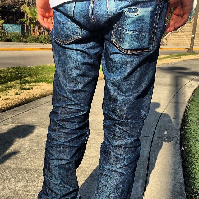 Well worn. #wellworn #jeans #denim #jeans #jeanshop #jeanshopnyc #madeinamerica #madeinusa #rocker #fashion #rawrdenim #denimhunters