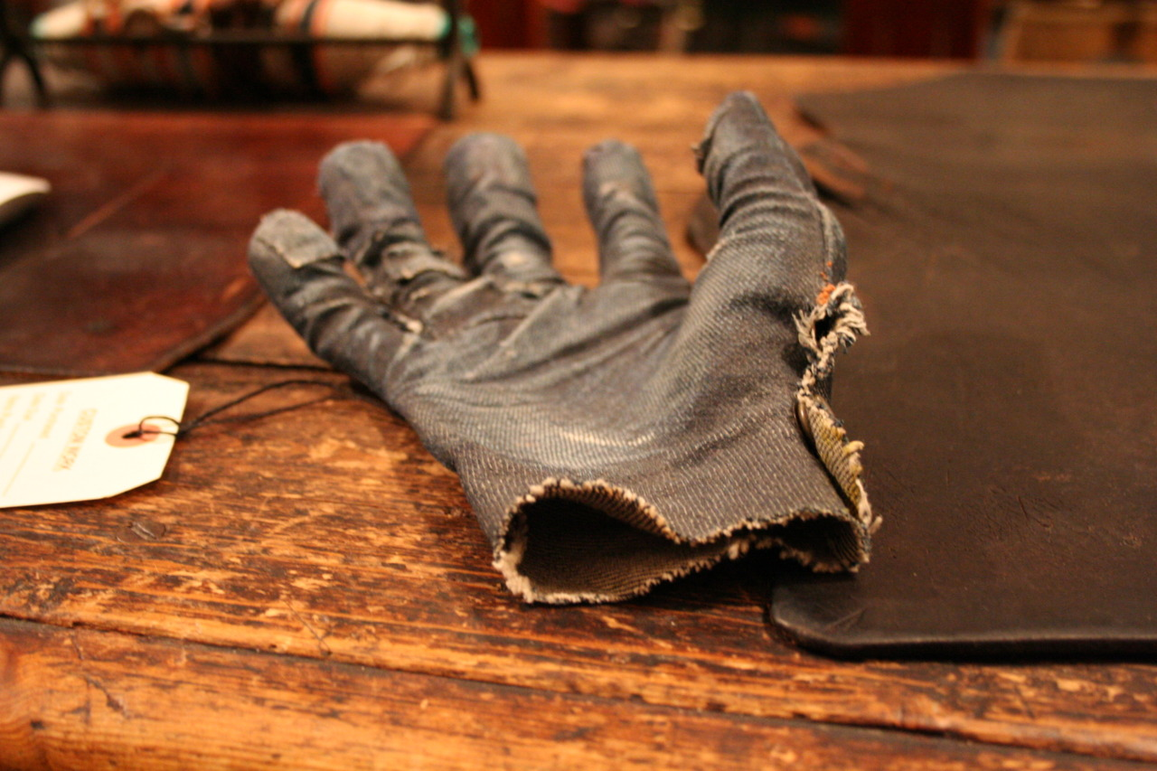 diiidz: jeanshop: Alex made this denim glove when he had to do a lot of work with sandpaper once.  People have been trying to buy it ever since. Cool Denim glove