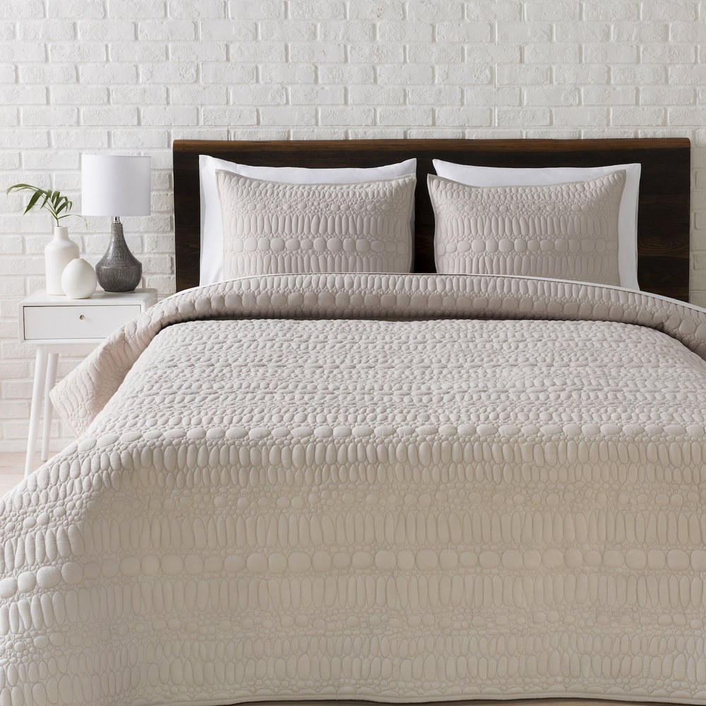 Shell Rummel surya Pebble quilt set