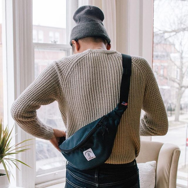 Our Hip Pack is large enough to carry all of your daily essentials and the padded interior will keep them safe as well! #roamwithus 🤞