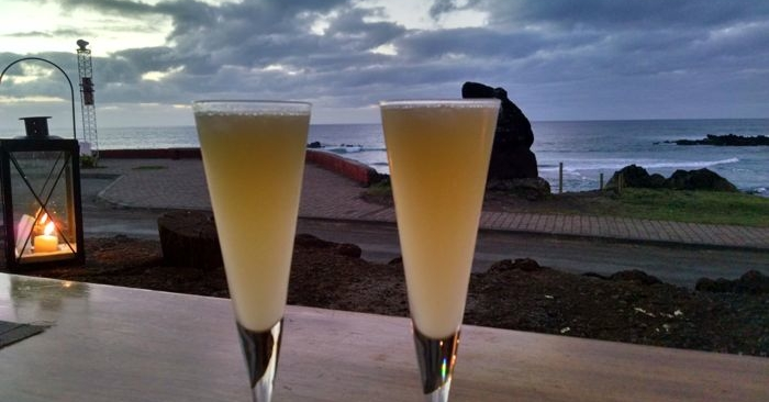 Twin pisco sours
