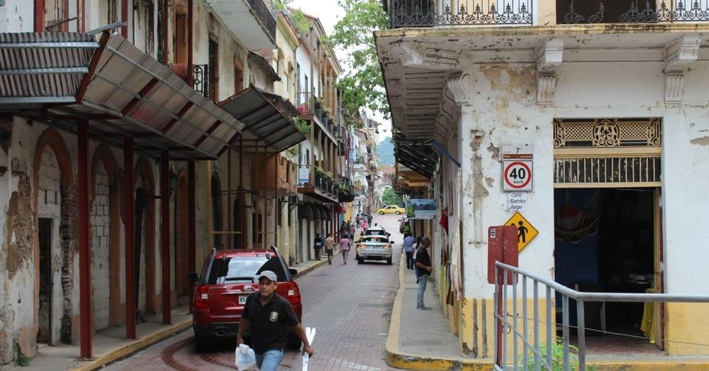 Casco Viejo Street Scene