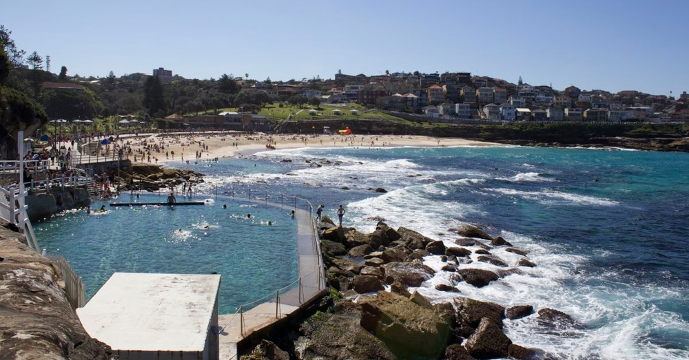 We saw this set-up a few times. Australians like to swim in a swimming pool next to the ocean.