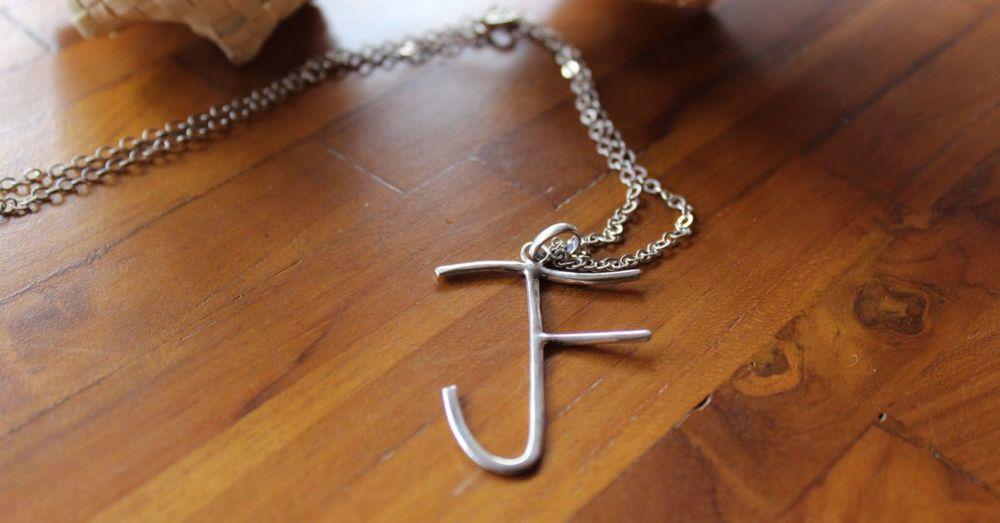 samantha-silver-pendant.jpg