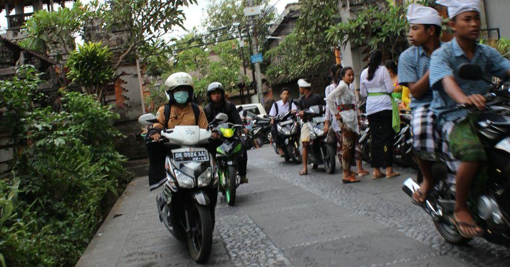 Motorbikes, facemasks