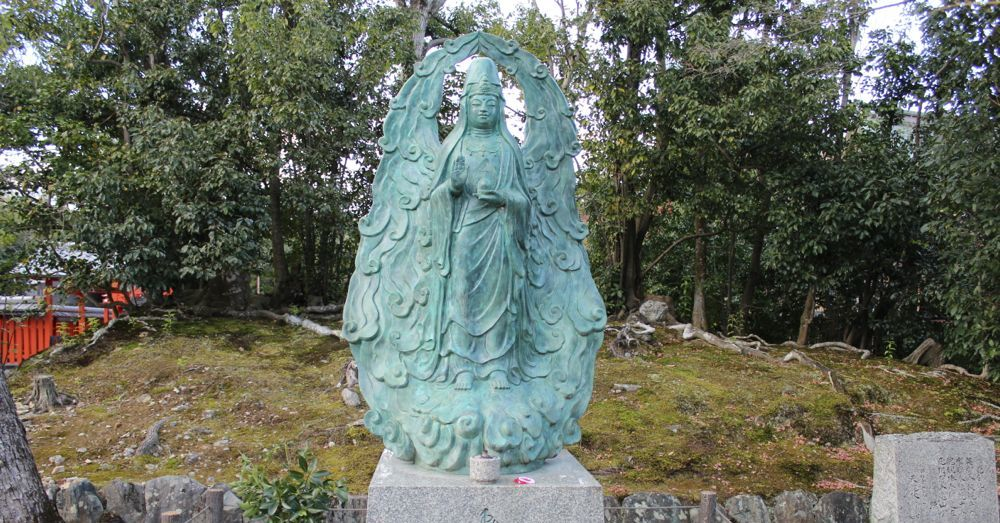 Statue at Tenryū-ji