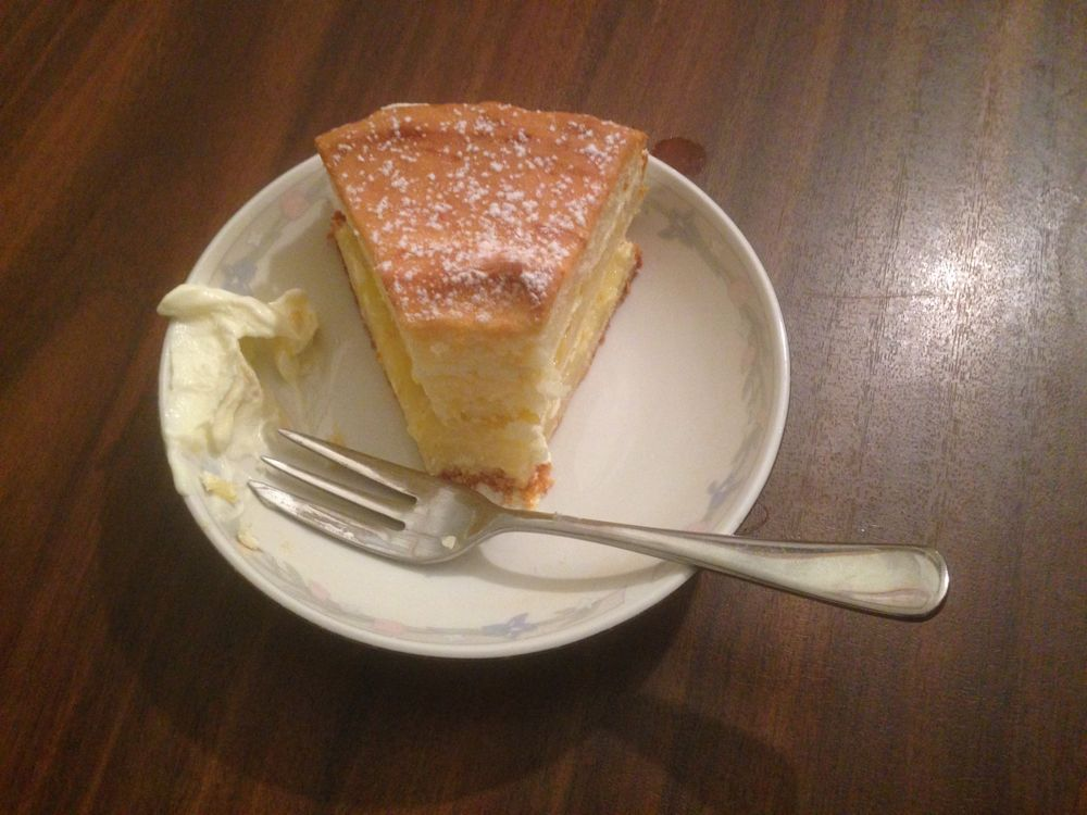 Homemade gluten-free lemon cake by Tanya