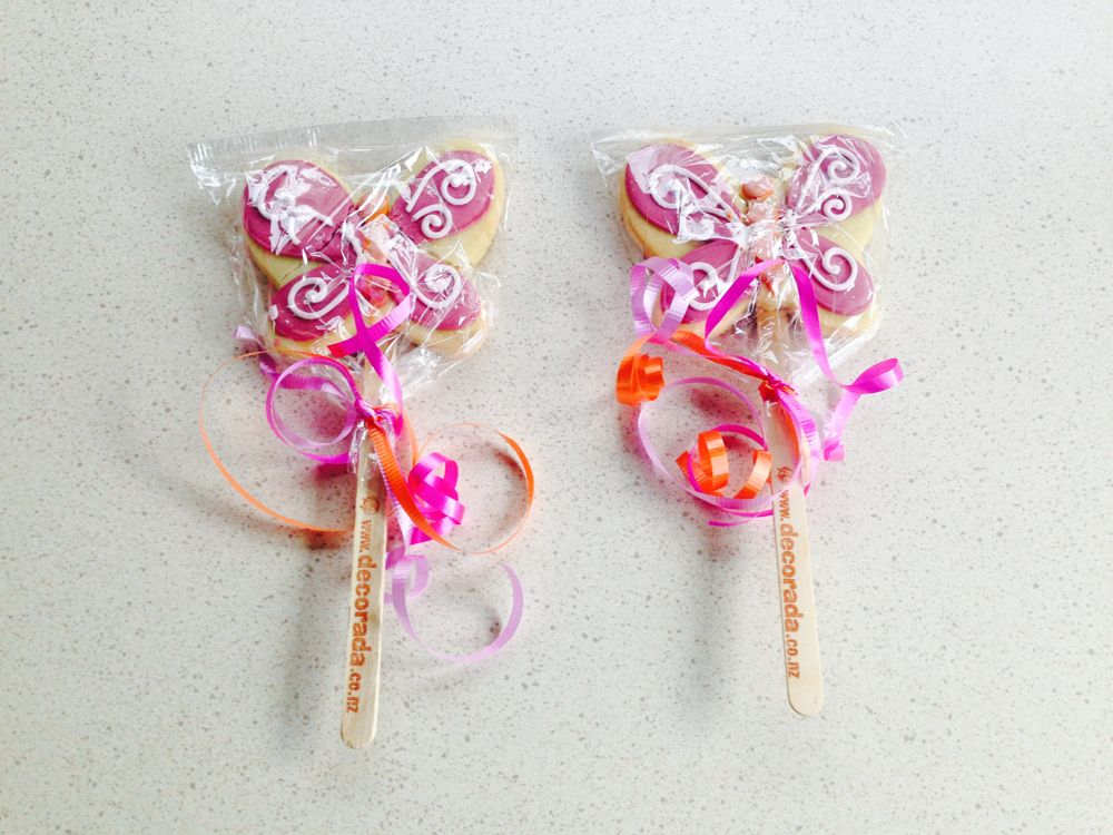 Gingerbread on a stick by Decorada