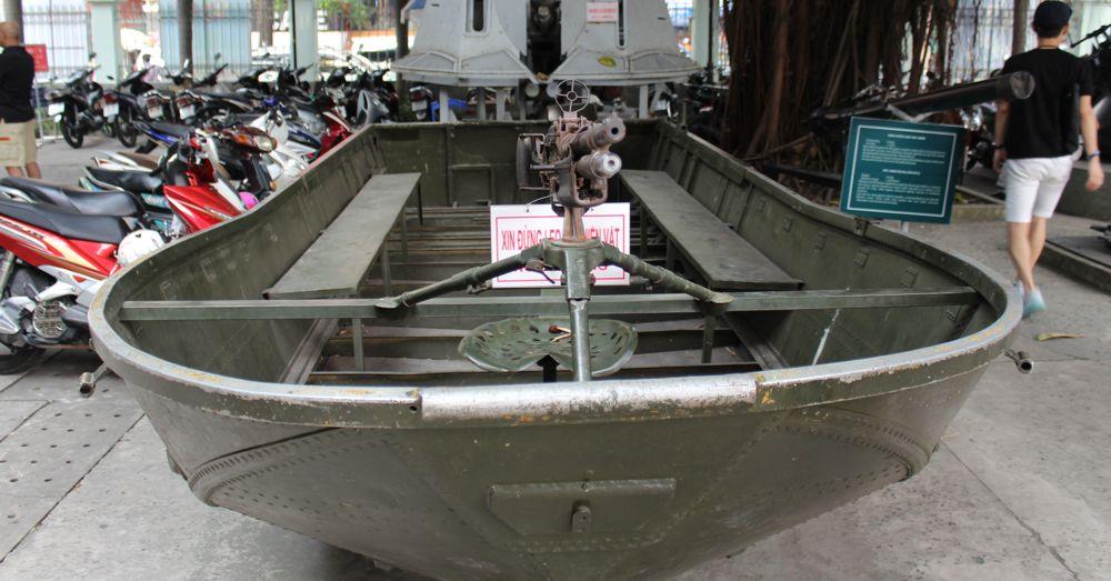 Gun boat.