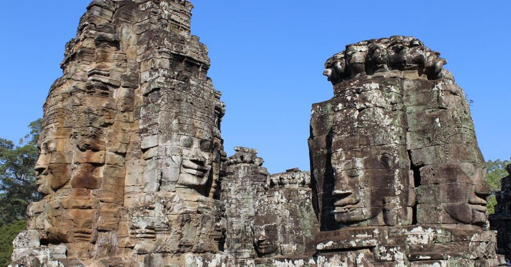 Some of the many faces of Bayon.