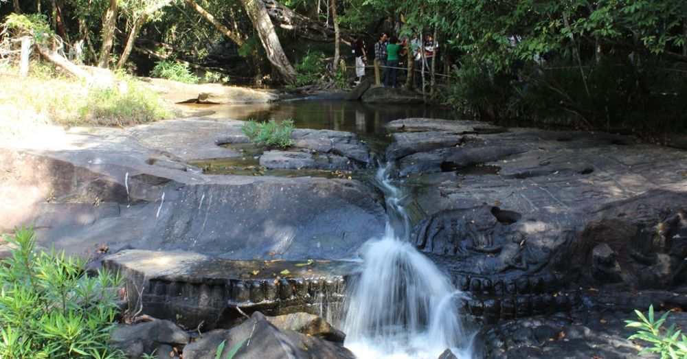 Waterfall, with lingas.