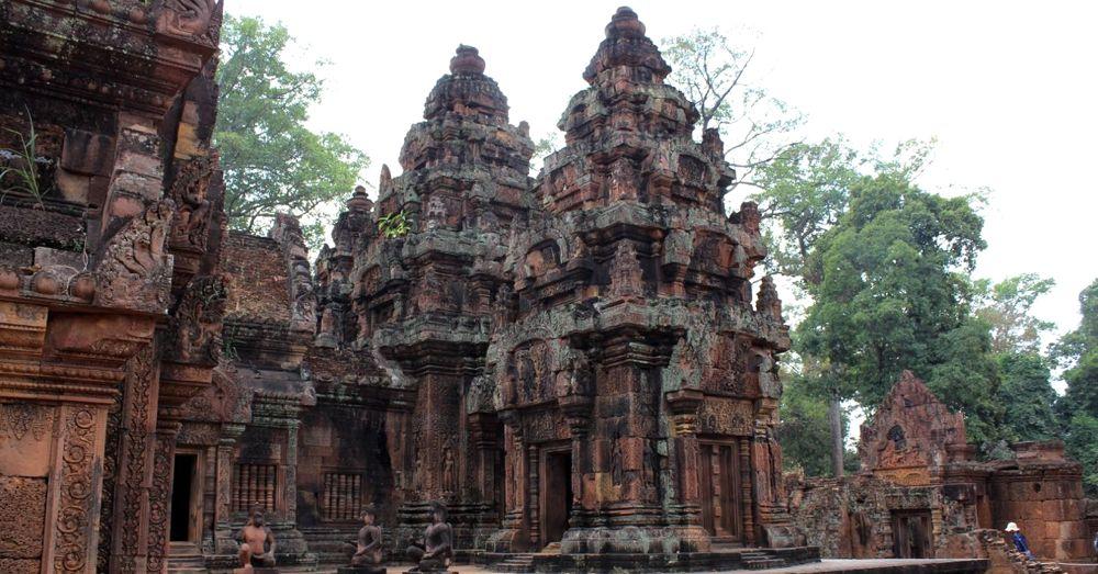 The spires of Bantaey Srei.