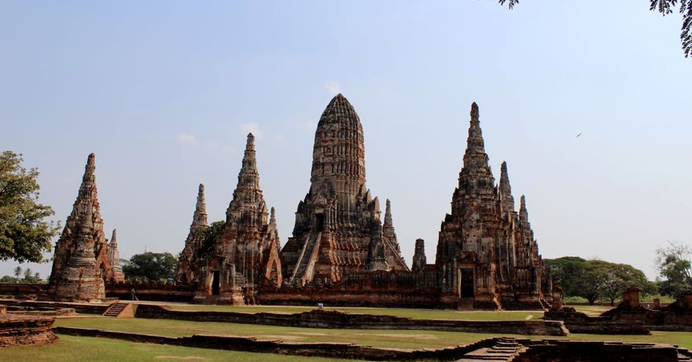 The spires of Wat Chaiwatthanaram.