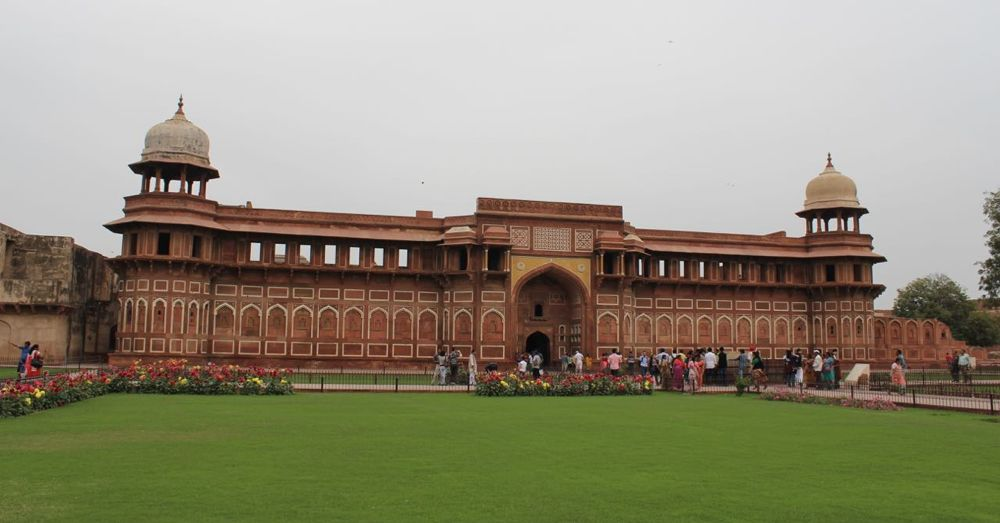 Jahangir Palace inside the Agra Fort.