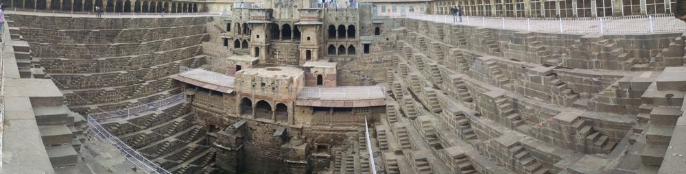 chand-baori-panorama.jpg