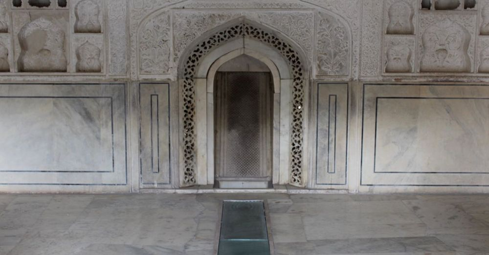 Water-based cooling system at the Amber Palace.