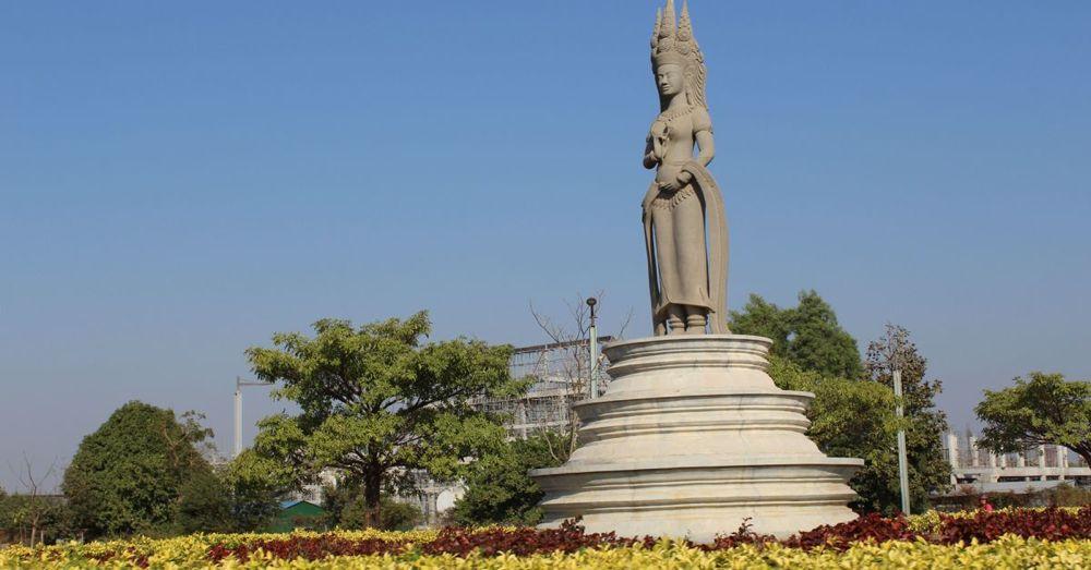 Roundabout Statue