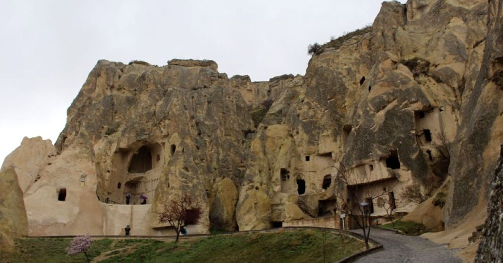 The caves at Göreme.