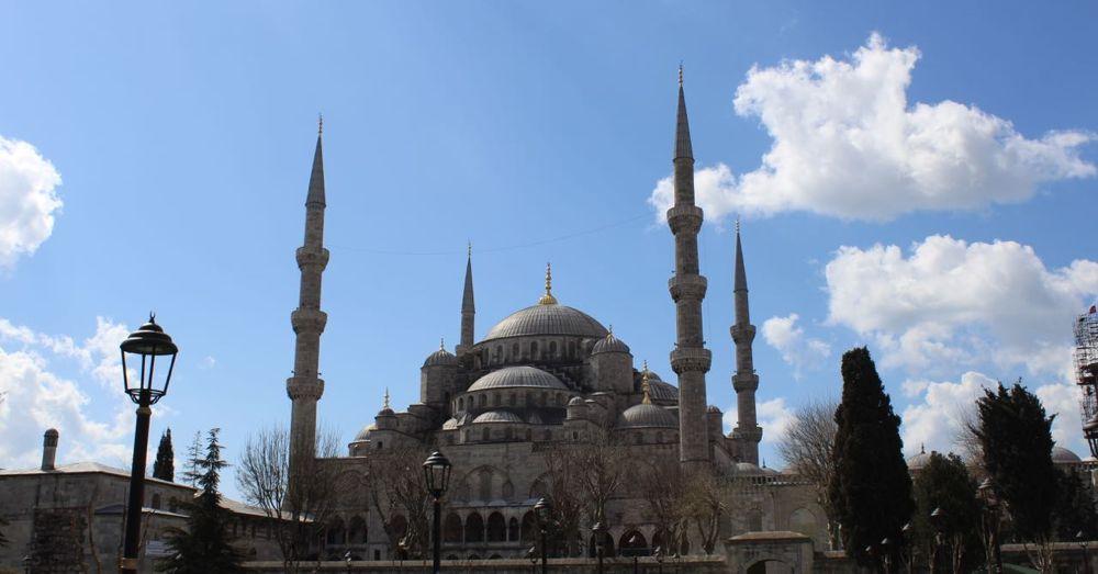 Sultanahmet Camii (Blue Mosque )