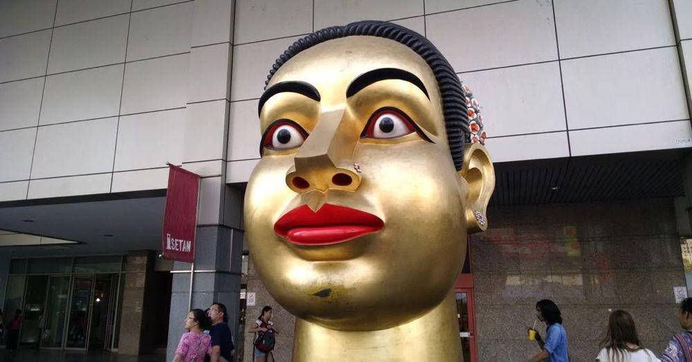 Statue @ CentralWorld