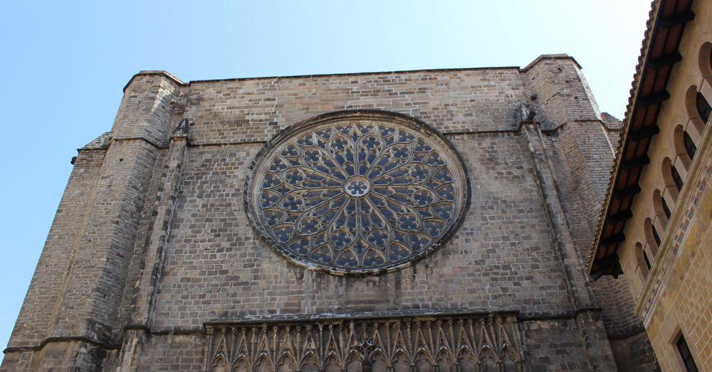 Stained glass window in the Basilica de Santa Maria del Pi