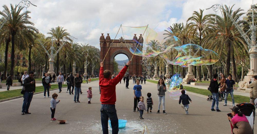 Big bubbles at the Arch of Triumph.