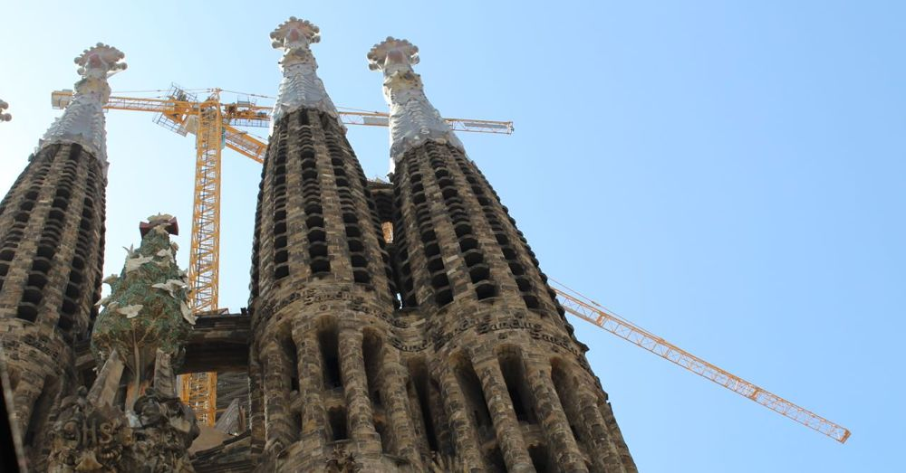 Sagrada Familia: Glory Façade. Notice the tree.